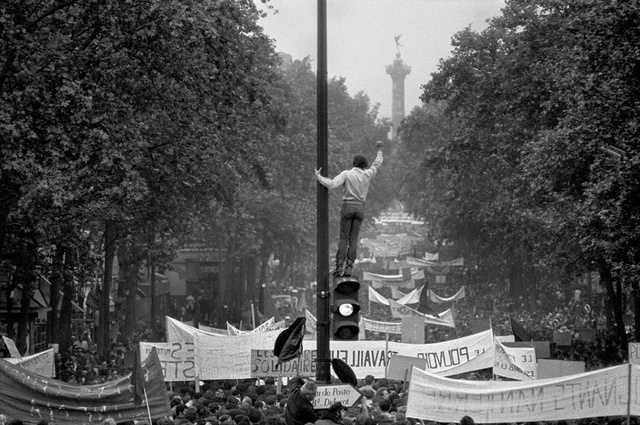 One million demonstrators walking towards the Place de la Bastille, May 13th, 1968 © Bruno Barbey / Magnum Photos